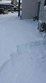 20140112お店横駐車場の雪寄せ1