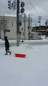 20140112駐車場の雪寄せ3