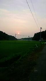 20150715山からの帰り道の様子夕日を追って1