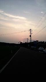 20150715山からの帰り道の様子夕日を追って4