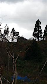 20151205ラベンダーの畑へと向かう急な坂道から望んだ新築中の家屋