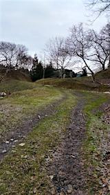 20160105ラベンダーの畑へと向かう急な坂道の様子