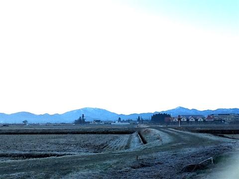 20160317会津盆地の朝南