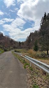 20160414山へ向かう途中の様子峠道1