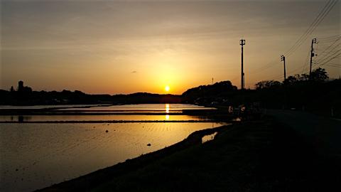 20160512山からの帰り道の様子夕焼け空1