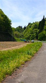 20160515山へ向かう途中の様子峠道