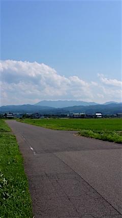 20160711会津坂下町より明神ケ岳を望む