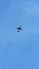 20161204飛行機が真上を通過2