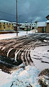 20161207駐車場の雪寄せ後1