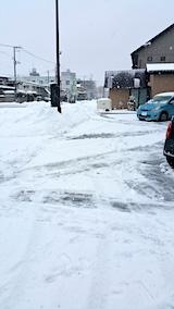 20170210駐車場雪寄せ途中の様子