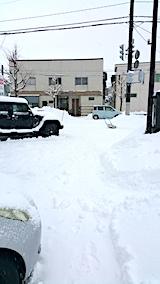 20170211駐車場の雪寄せ途中の様子夕方4