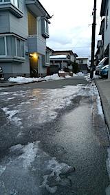 20170218外の様子朝凍りつく小路