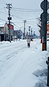 20170219外の様子朝凍結道路自転車