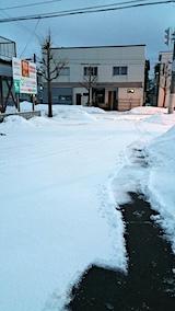 20170221外の様子朝駐車場の雪寄せ途中1