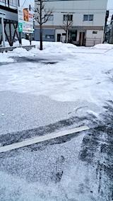 20170221外の様子朝駐車場の雪寄せ後1