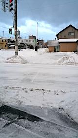 20170221外の様子朝駐車場の雪寄せ後2