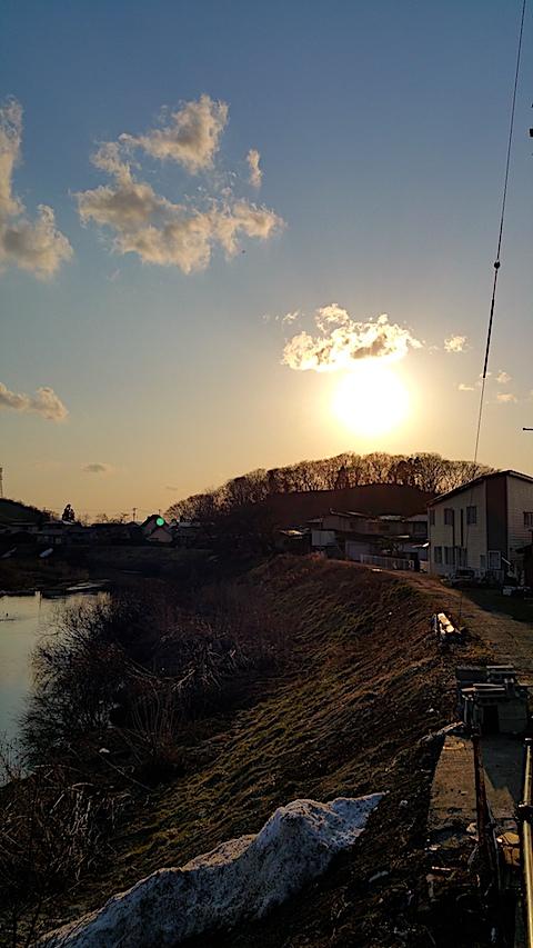 20170322外の様子夕方夕日2