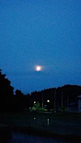 20170609山の入り口からお月さまを望む1