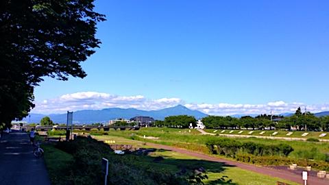 20170617会津美里町から望会津磐梯山2