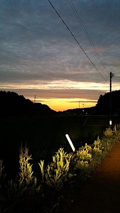 20170711山からの帰り道の様子夕焼け空