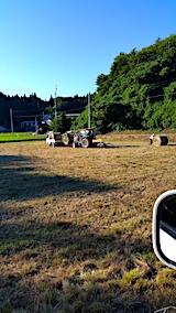 20170805山からの帰り道の様子刈り取った草を丸める作業