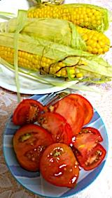 20170810朝食トウモロコシとトマト