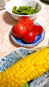 20170812晩ご飯トマト枝豆トウモロコシ