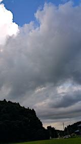 20170819山の入口の様子真っ黒な雲