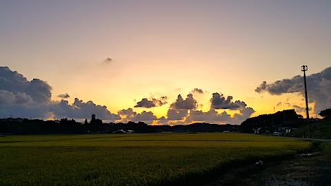 20170908山からの帰り道の様子夕焼け空1