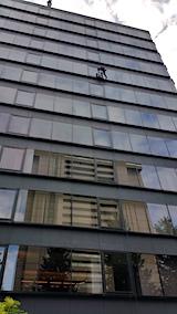 20171008近くのビルで窓ふき作業