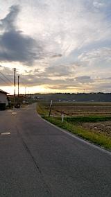 20171015山へ向かう途中の様子田んぼと朝日