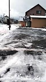 20171214雪寄せ後の駐車場の様子