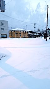 20180213雪寄せ前の様子朝向かいの駐車場1