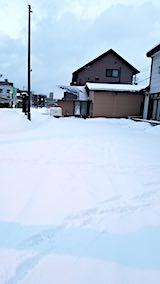 20180213雪寄せ前の様子朝向かいの駐車場2