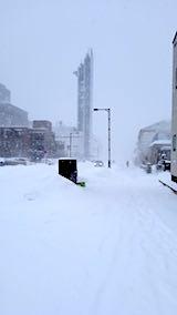 20180213雪寄せ途中の様子朝吹雪1