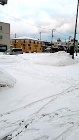 20180216向かい駐車場の雪寄せ前の様子朝1