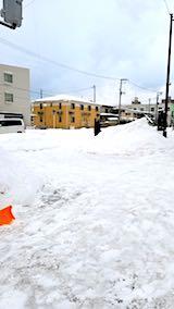 20180217向かい駐車場の雪寄せ後の様子朝1