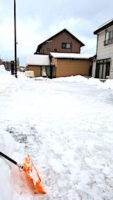 20180217向かい駐車場の雪寄せ後の様子朝2