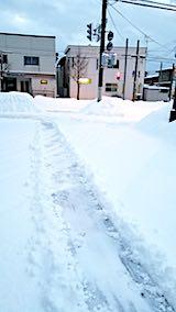 20180219向かい駐車場の雪寄せ途中の様子2