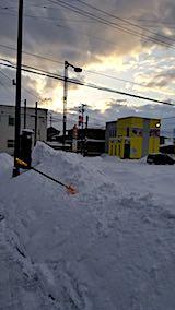 20180219向かい駐車場の雪寄せ途中の様子1