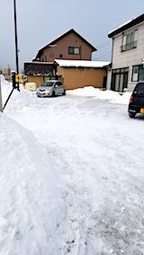 20180219向かい駐車場の雪寄せ後の様子朝2