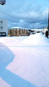 20180220向かい駐車場の雪寄せ前の様子朝1