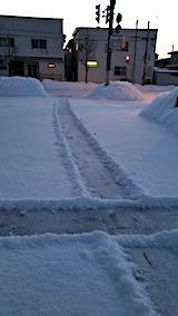20180220向かい駐車場の雪寄せ途中の様子2