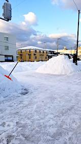 20180220向かい駐車場の雪寄せ後の様子朝1