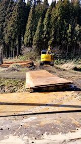 20180315山へ向かう途中の様子峠道木材の切り出し作業