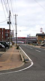 20180418近くの公園からの帰り道の様子秋田新幹線