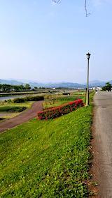 20180501外の様子会津の朝宮川堤防沿い1