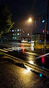 20180513外の空夜のはじめ頃雨が降り出す