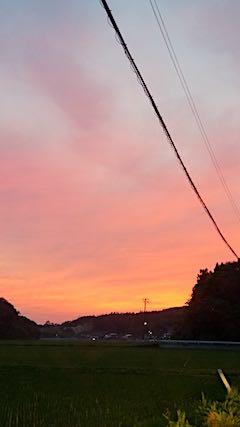 20180619山からの帰り道の様子夕焼け空1