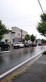 20180910外の様子朝東大通り雨で渋滞